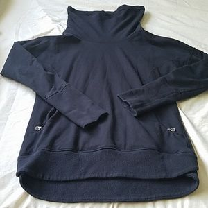 Gently Used Lululemon Pull Over Sweater Size 6